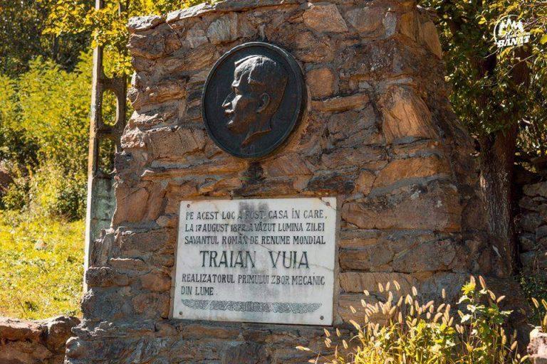 Medalionul Traian Vuia de la Surducul Mic - locul de naștere al lui Traian Vuia